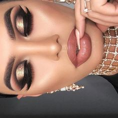 Eye Makeup Tutorials : OMG look at this! So beautiful ♥ These makeup looks are true inspiration! Dramatic Wedding Makeup, Wedding Makeup Tips, Dramatic Eye Makeup, Formal Makeup, Eye Makeup Steps, Wedding Makeup Looks, Smokey Eye Makeup, Neutral Makeup, Glitter Makeup