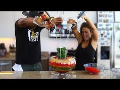 Check Out The Ultimate Vodka Gummy Bear Jungle Juice Jacuzzi From Tipsy Bartender! Drunken Gummy Bears, Vodka Gummy Bears, Jungle Juice, Party Drinks, Fun Drinks, Beverages, Jacuzzi, Tipsy Bartender, Alcohol Recipes