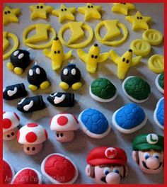 I made these cupcakes this week for a little girl who loves Mario Kart! Here& the toppers waiting for their cupcakes :) Confetti cupcakes. Super Mario Cupcakes, Super Mario Party, Mario Kart Cake, Mario Bros Cake, Luigi Cake, Mario Birthday Cake, Super Mario Birthday, Fondant Cupcake Toppers, Cupcake Cakes