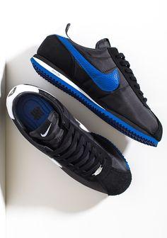 Nike Cortez Mens, Nike Cortez Shoes, Nike Air Shoes, Best Sneakers, Sneakers Fashion, Sneakers Nike, Comfortable Mens Dress Shoes, Casual Shoes, Orange Nike Shoes