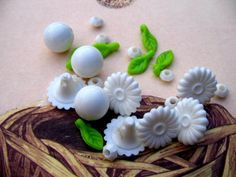 Vintage Lot of Kitschy Garden Beads by thegardenofbeads on Etsy, $1.95