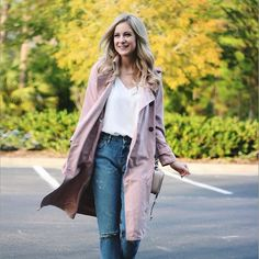 Walking into the weekend like... This pink trench look is up on A Daydream Love today! #fall #tgif #chicwish