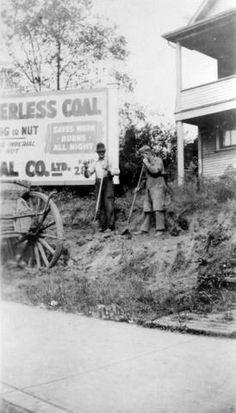 Clearing the lot [at] 2818 and 2820 Granville [Street] - City of Vancouver Archives