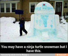 R2D2 snow sculpture / iFunny :)
