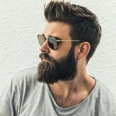 Totally cool beard and hair style - Männer Bart - Cheveux Popular Mens Haircuts, Cool Hairstyles For Men, Haircuts For Men, Men's Hairstyles, Men's Haircuts, Wedge Hairstyles, Brunette Hairstyles, Stylish Haircuts, Mens Hairstyles With Beard