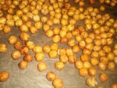 Healthy snack to go: roasted chili chickpeas