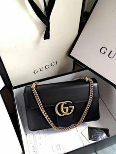 55dcc6017e Kwang to Chelsea Fashion Handbags