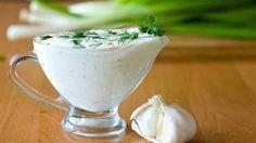 Если вы не едите майонез, предлагаем вам отличную подборку рецептов соусов, которыми можно успешно заменить эту популярную заправку.