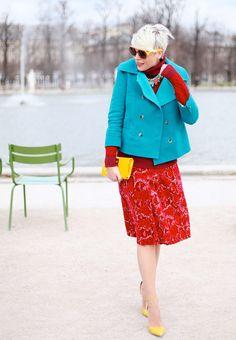 throwing it back... #ElisaNalin splashing some colour about in Paris.