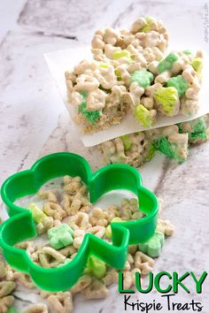 Lucky Charms Krispie Treats http://www.amomstake.com/2014/02/lucky-charms-krispie-treats/