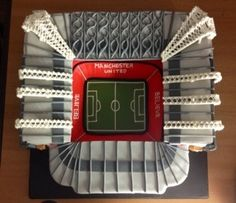Great detail on this @manutd cake!
