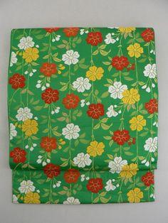 Shiny Green Rokkaku Fukuro Obi, Flower Pattern / 緑地 初々しい華やぎの枝垂れ花柄 六通袋帯   【リサイクル着物・アンティーク着物・帯の専門店 あい山本屋】#Kimono #Japan