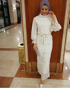 #hijab #hijabdress #elegant #hijabfashion #modernhijab Pinterest: @GehadGee Hijab Evening Dress, Hijab Dress Party, Hijab Style Dress, Evening Outfits, Evening Dresses, Hijab Chic, Tea Length Bridesmaid Dresses, Prom Dresses Long With Sleeves, Modest Dresses