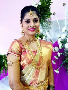 Gold Jewellery Design, Bridal Jewellery, Gold Jewelry, Jewelery, Saree Wedding, Indian Bridal, Beautiful Eyes, Indian Jewelry, Silk Sarees