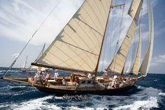 sailing on a schooner around Rhode Island...finish with lobster bisque. <3