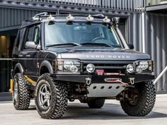 Very smart looking Discovery ready for some fun 💪 Land Rover Discovery 1, Discovery 2, Suv Models, Landrover, Range Rover Classic, Suv Cars, Expedition Vehicle, Land Rover Defender, My Ride