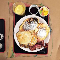 The Full Monty breakfast at Ollie & Ry.