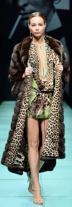 Carlo Tivioli per l'inverno Leopard Fashion, Animal Print Fashion, Fur Fashion, Fashion Prints, Couture Fashion, Winter Fashion, Womens Fashion, Animal Prints, Armani Prive