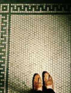 Vintage bathroom tile floor obsessed: but in black instead of green Bathroom Floor Tiles, Kitchen Tiles, Kitchen Flooring, Bungalow Bathroom, Tile Flooring, Hex Tile, Hexagon Tiles, Tiling, Vintage Tile Floor