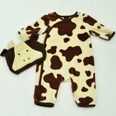 Moo!!! babyGap Jumpsuit with Hat for your mini this Halloween | Baby Boy | 0-3 Month Lot |