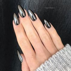 Fresh And Trendy Ways Of Matching Your Prom Nails Colors With Your Dress - Nageldesign - Nail Art - Nagellack - Nail Polish - Nailart - Nails Metallic Nails, Black Nails, Chrome Nails Silver, Chrome Nail Colors, Blue Nail, Gradient Nails, Chrome Nail Art, Silver Nail Art, Matte Nail Art