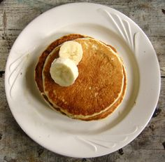 Tips and tricks for throwing a Pancake Party for your neighbours. Easy!