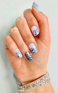 Mixed mani combo of Aspen Sky with a Raise Your Voice overlay & Atlantis accent