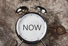 Leva i Nuet – i praktiken Kursen, som sträcker sig över åtta tillfällen, är en mix av föreläsningar, diskussioner och praktiska övningar. Där vi går in på vad det innebär att leva i nuet, blandar med några exempel från vardagslivet och många handgripliga tips och råd hur man gör för att öka sin närvaro i nuet. Varje kurstillfälle kommer med andra ord att innehålla en spännande kombination av både teori och praktiska övningar.