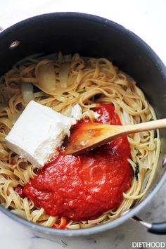 Creamy Tomato One Pot Pasta - The easiest and creamiest pasta without the cream! It all happens in the same pot and it'll be on your dinner table in just 20 minutes! Get the recipe on diethood.com