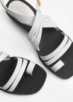 5a7ceaf15b4f Лучших изображений доски «shoes»  109 в 2019 г.   Beautiful shoes ...
