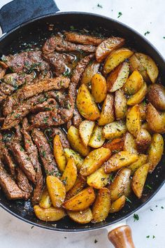 Garlic Butter Steak and Potatoes Skillet - This easy one-pan recipe is SO simple, and SO flavorful. The best steak and potatoes you'll ever have! # Easy Recipes dinner Garlic Butter Steak and Potatoes Skillet Beef Recipes, Cooking Recipes, Healthy Recipes, Healthy Salads, Easy Recipes, Healthy Dinners, Minute Steak Recipes, Healthy Foods, Easy Filipino Recipes