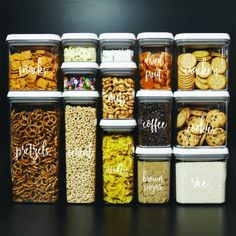 20 besten Pantry-Organisatoren A disorganized pantry is a kitchen nightmare. Turn your cluttered kitchen pantry (or kitchen cabinets) into a storage dream with these great pantry organizers. - Own Kitchen Pantry Pantry Storage, Pantry Organization, Organizing Ideas, Kitchen Storage, Pantry Ideas, Organized Pantry, Bathroom Storage, Storage Bins, Hidden Storage