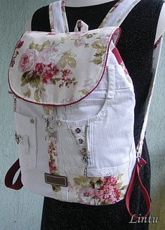 Diy Handbag, Diy Purse, Mochila Floral, Denim Handbags, Denim Ideas, Denim Crafts, Recycle Jeans, Recycled Denim, Bag Patterns To Sew