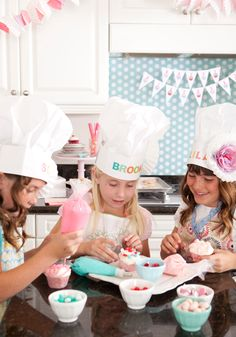 Little girls' baking theme party!