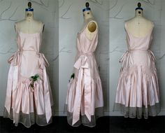 Dress1.jpg 600×485 pixels