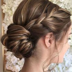 Long Hairstyles Ideas for Bridesmaids 11