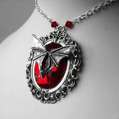 Gothic jewellry. Do you actually need to stand out of the crowd and allow your very own persona shine through?