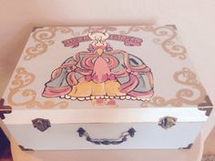Hand Painted Audrey Hepburn Tiffanys Jewelry Box jias Tiffany