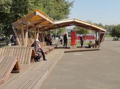 Общественные пространства на берегу озера Татышев. Уличная библиотека. Фотография © Алексей Мякота