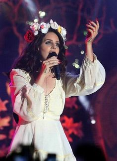 Lana Del Rey in San Francisco....she makes me think of Amy Winehouse sometimes....hummmmmm