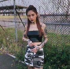 Tattoed Women, Tattoed Girls, Mujeres Tattoo, Ulzzang Korean Girl, Uzzlang Girl, Aesthetic People, Korean Street Fashion, Beautiful Asian Girls, Woman Crush