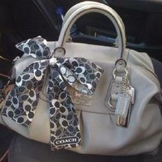 Coach Purse. OMG YES SO CHTE AND NEUTRAL JUST AGH