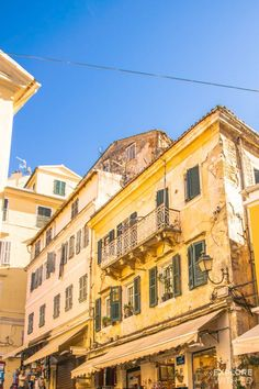 The colours and character of Corfu Town, Greece Korfu-alte Stadtschöne gelbe Gebäude Yellow Aesthetic Pastel, Aesthetic Colors, Aesthetic Vintage, Aesthetic Pictures, Aesthetic Grunge, Spring Aesthetic, Photo Wall Collage, Picture Wall, Building Aesthetic