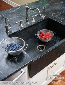Double handle faucets are a popular choice for fans of traditional style kitchen designs.