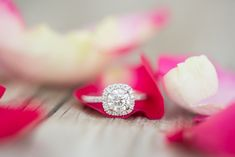 We would definitely say yes to this gorgeous round halo engagement ring. <3