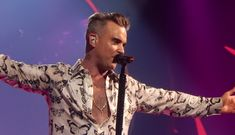 4 Years after Robbie Williams's last concert in Romania, he will be returning for the Anniversary of Untold Festival. Untold Festival, Echo Music, Funeral Music, Theme Tunes, Tv Themes, Favorite Christmas Songs, Robbie Williams, Electronic Music, Classical Music