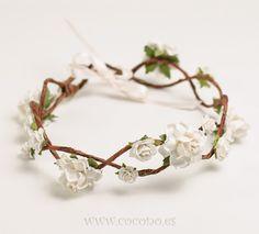corona de flores romance                                                                                                                                                                                 Más