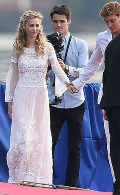 Beatrice Borromeo looked stunning in the first dress she picked out for her second wedding with Pierre Casiraghi Famous Wedding Dresses, Royal Wedding Gowns, Civil Wedding, Stunning Wedding Dresses, Royal Weddings, Wedding Dress Styles, Beautiful Dresses, Estilo Hippie Chic, Beatrice Borromeo