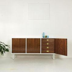 60er Jahre Sideboard, weiß/ Nussbaum von The Hunter – Select Vintage Goods auf DaWanda.com