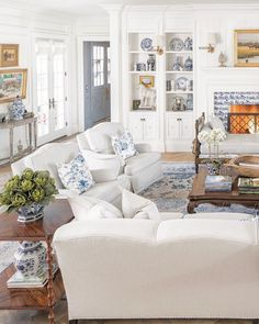 Cozy Living Rooms, Cottage Living, Home Living Room, Living Room Decor, Living Spaces, Dining Room, Interior Exterior, Interior Design, French Country Living Room
